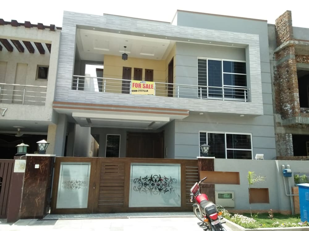 Brand New 10 Marla House For Sale in Bahria Town Phase 3  | Graana.com