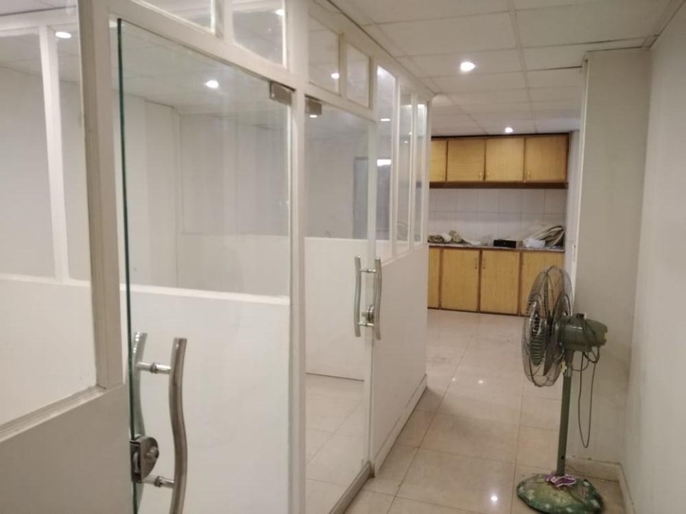 400 SqFt Office For Rent | Graana.com
