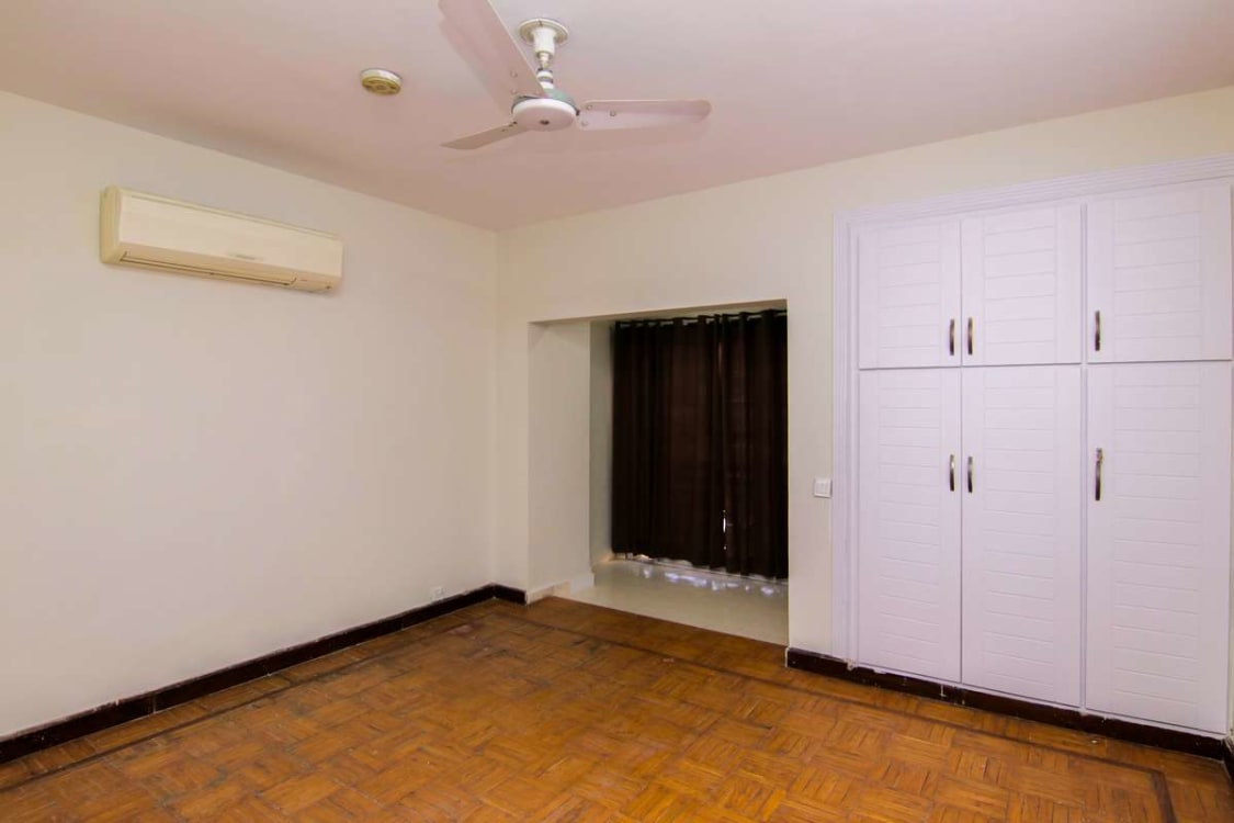 1960 Sqft 3 bed Fully Furnished Apartment For Sale | Graana.com
