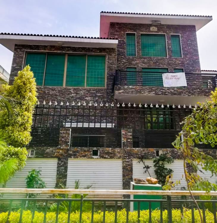 12 Marla House For Rent in I 8 Islamabad Graana com