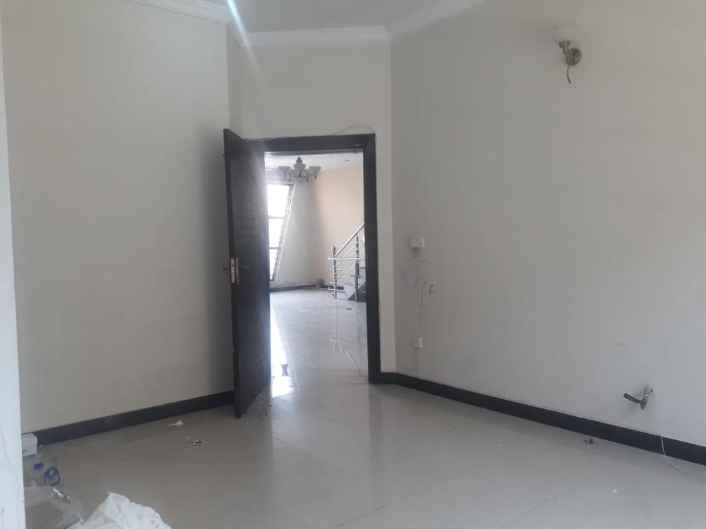 11 Marla House For Rent | Graana.com