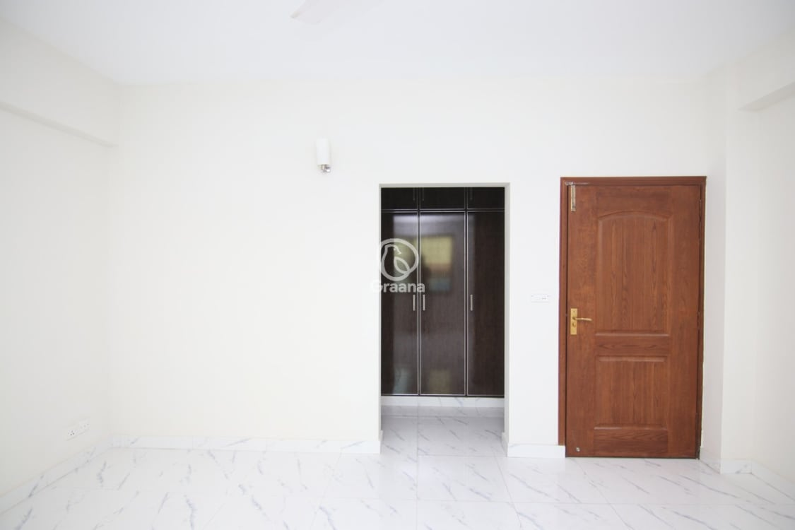 2700 SqFt Apartment For Sale | Graana.com