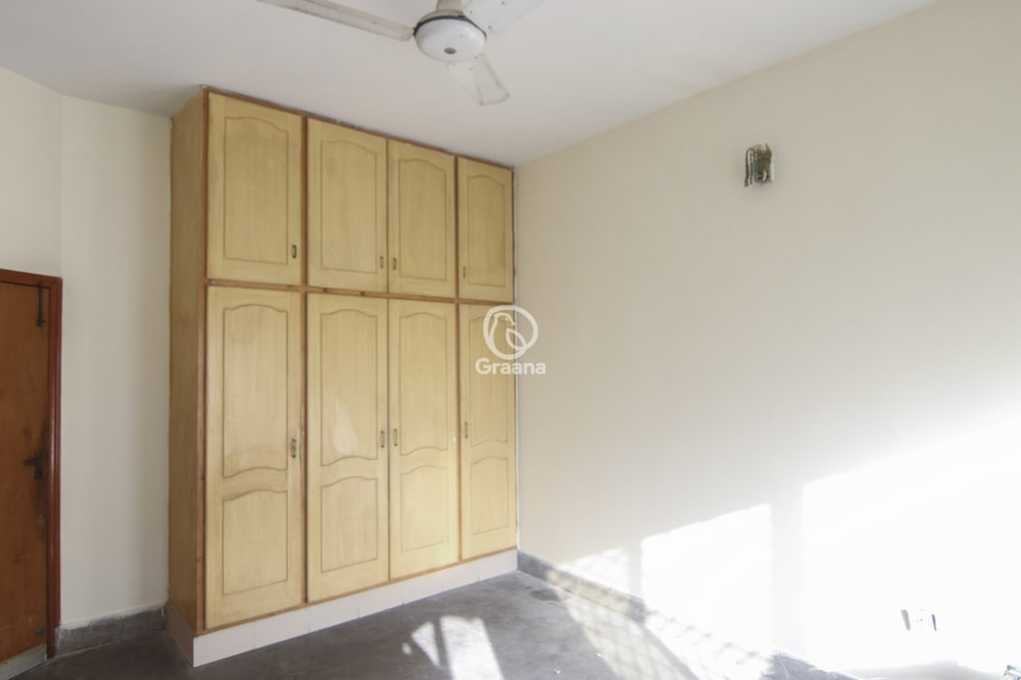 5 Marla Upper Portion For Rent | Graana.com