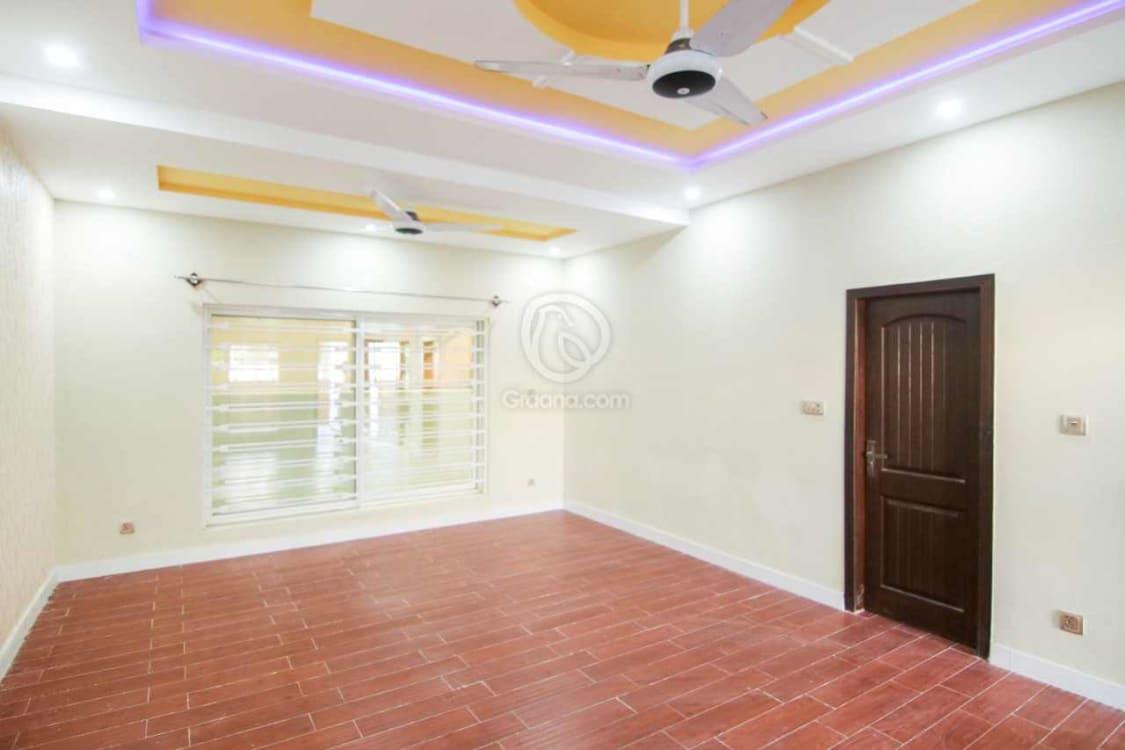 8 Marla House For Sale | Graana.com