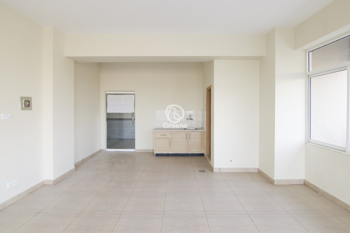 595 Sqft Office for Sale | Graana.com