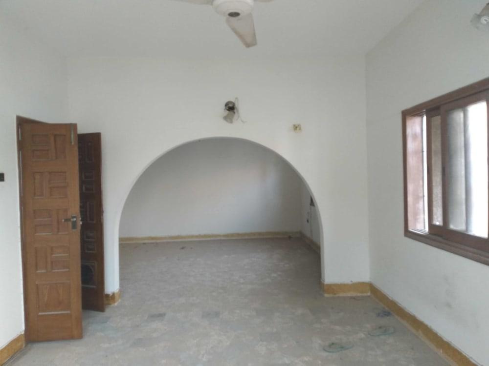 500 Sqyd Upper Portion For Rent  | Graana.com