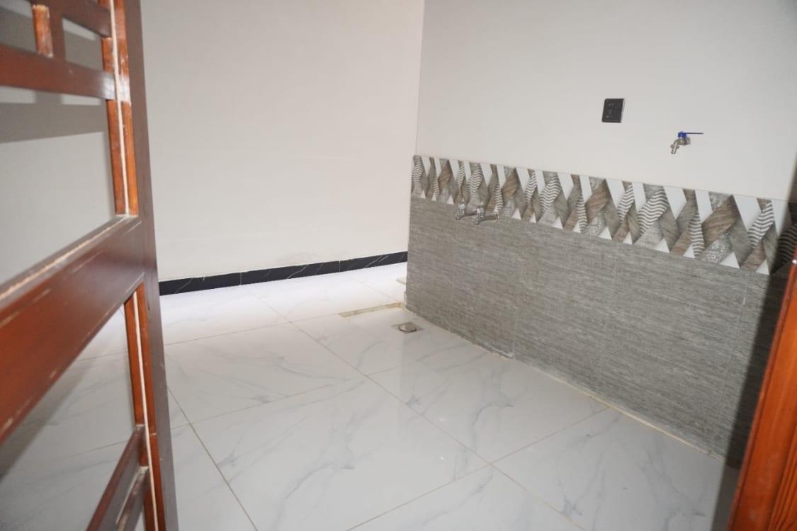 300 Sqyd  House for Sale | Graana.com