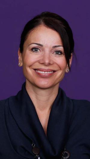 Dr Elizabeth Valenti