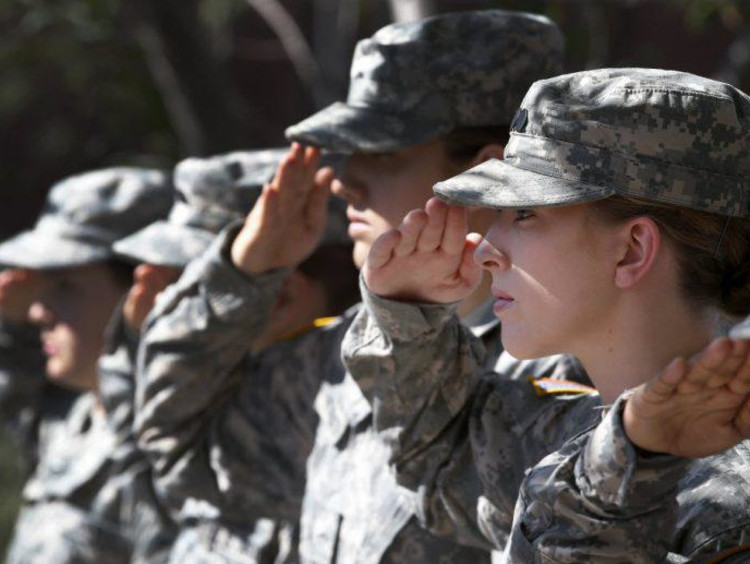 Military students saluting