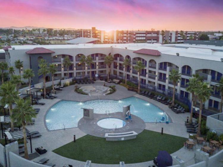 The GCU Hotel courtyard and pool