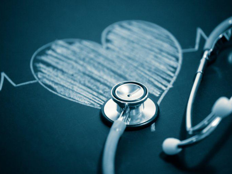 Sketch of heart with stethoscope on it