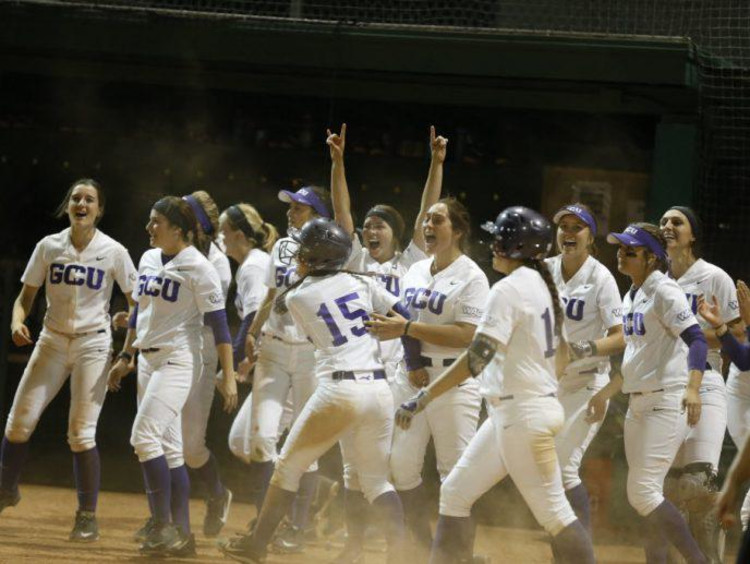 GCU womens softball team