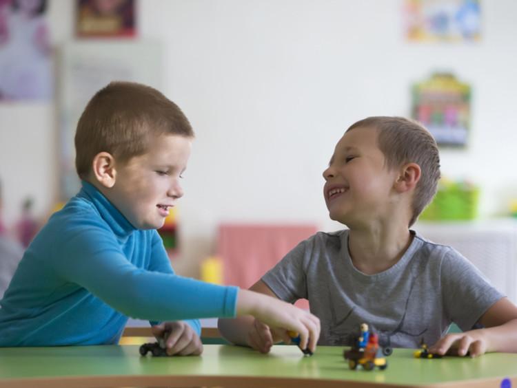 elementary school children participating in STEM activities