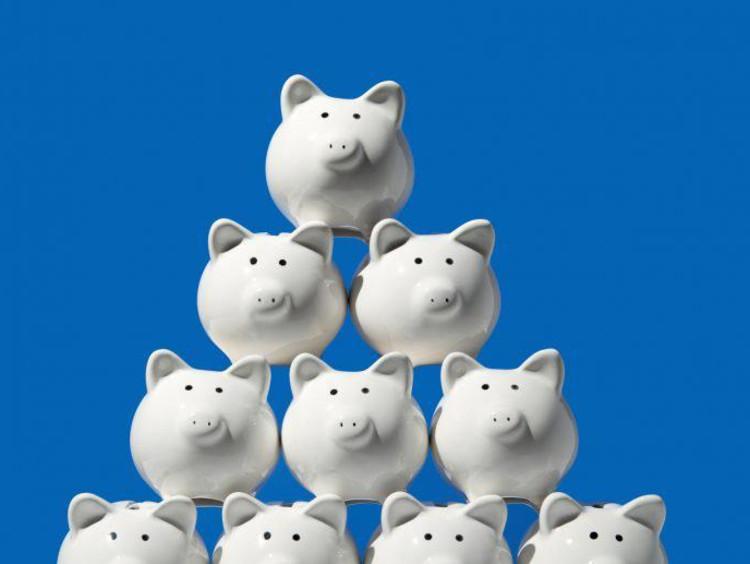 A pyramid of piggy banks