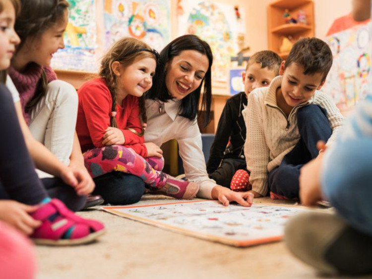 student teaching young children