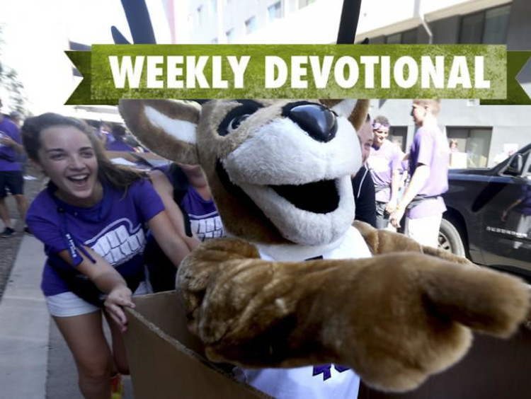Thunder points ahead in Welcome Week photo