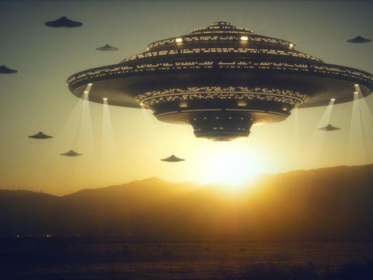 alien space ship in the sky