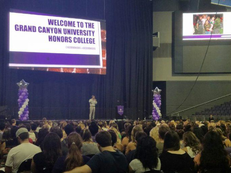 GCU honors students at orientation