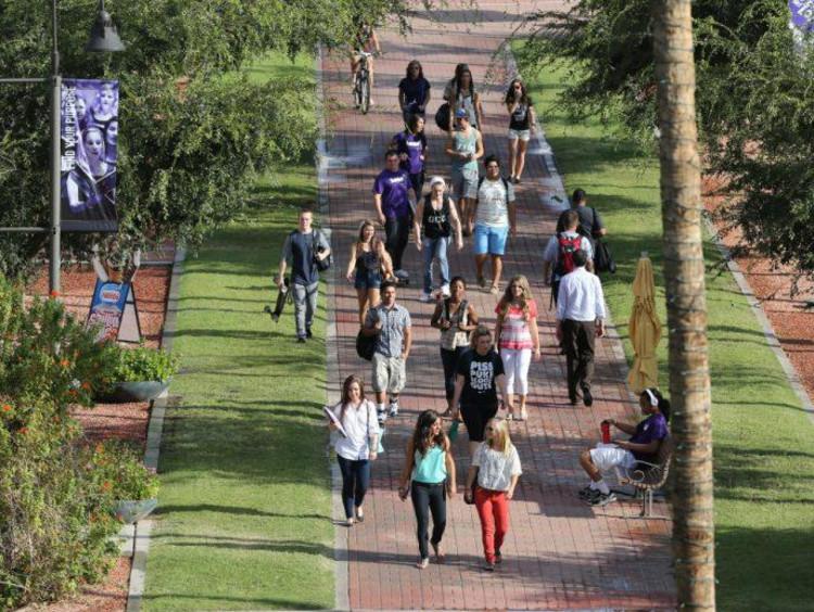GCU students walking on campus