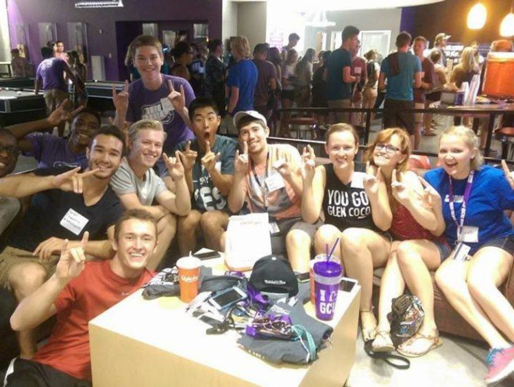 High school students visiting GCU with friends