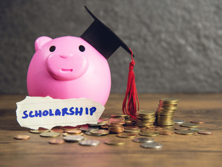 How to earn scholarship money