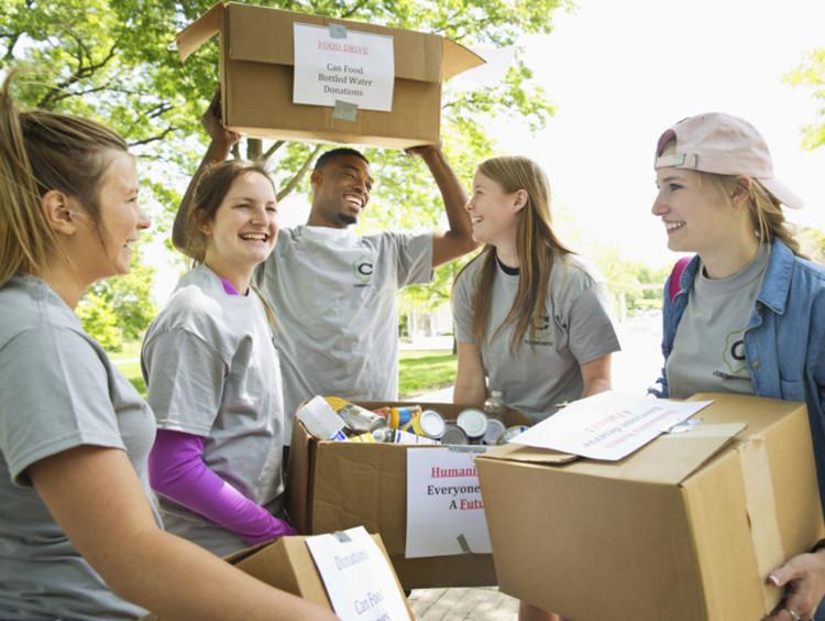 College students getting leadership experience by volunteering