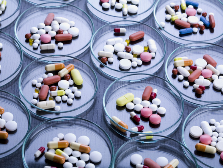 Petri dishes with various pills