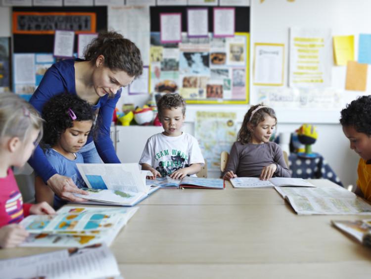 teacher using restorative practices in classroom