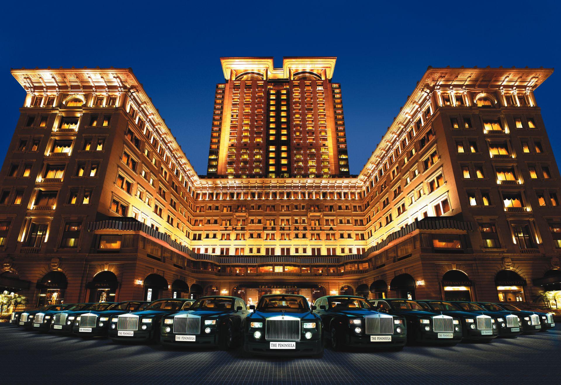 44369 root exteriors front facade - Hotel Klasik Paling Terkenal di Dunia Yang Bikin Betah