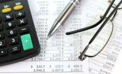 Accountant_CC_BY-SA_3.0_Nick_Youngson_Alpha_Stock_Images.jpg