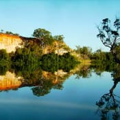 River_Murray_Mirrorpool_in_riverlands_Everydaymaniac_wikimedia.jpg