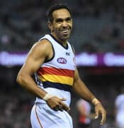 Betts_returns_to_Carlton_in_AFL.jpg