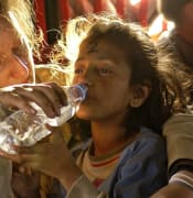 humanitarian aid 939723 640