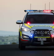 Ambulance-emergency-response-vehicle-responding-QAS.jpg