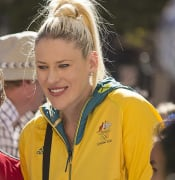 Lauren Jackson at the Welcome Home parade in Sydney (2)