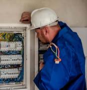 electrician-2755683_960_720.jpg