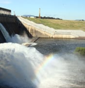 640px Water release at the dam wall into the Murray River in November 2010
