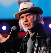 neil_young_0417-616x414.jpg