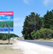 sign welcome sa wikimedia by Mattinbgn PrincesHighwaySA VICBorder