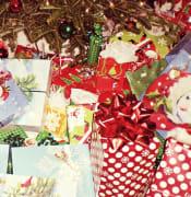 christmas presents 595850 640