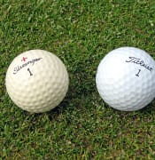 800px-Two_golf_balls.jpg