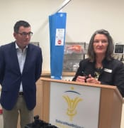 daniel andrews and rowena coutts of ballarat ehalth service feb 2018 IMG 1523