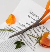 divorce-619195_640 PIXABAY.jpg
