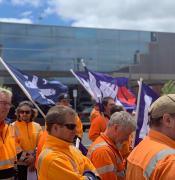 alstom train manufacturers workes strike mair st dec 2019 pic 3ba 8795264 n