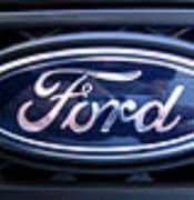 128px-Black_Ford_Fiesta_X100_-_008 (1).jpg