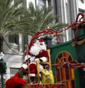 New_Orleans_Christmas_Parade.jpg