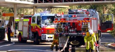 NSWRFS_Londonderry_1_Alpha_^_NSW_Fire_Rescue_Windsor_081_-_Flickr_-_Highway_Patrol_Images (1).jpg