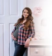 FIRST_LOOK_Bindi_Irwin_Shares_Peek_Into_Babys_Nursery_Clip.jpg