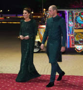 Royals_rickshaw_ride_to_Pakistan_banquet.jpg