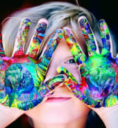 boy painted hands 1148998